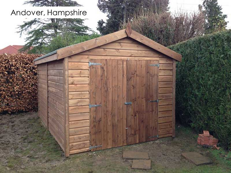 Timber Garage in Andover, Hampshire