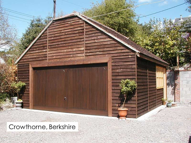 Timber Garage in Crowthorne, Berkshire