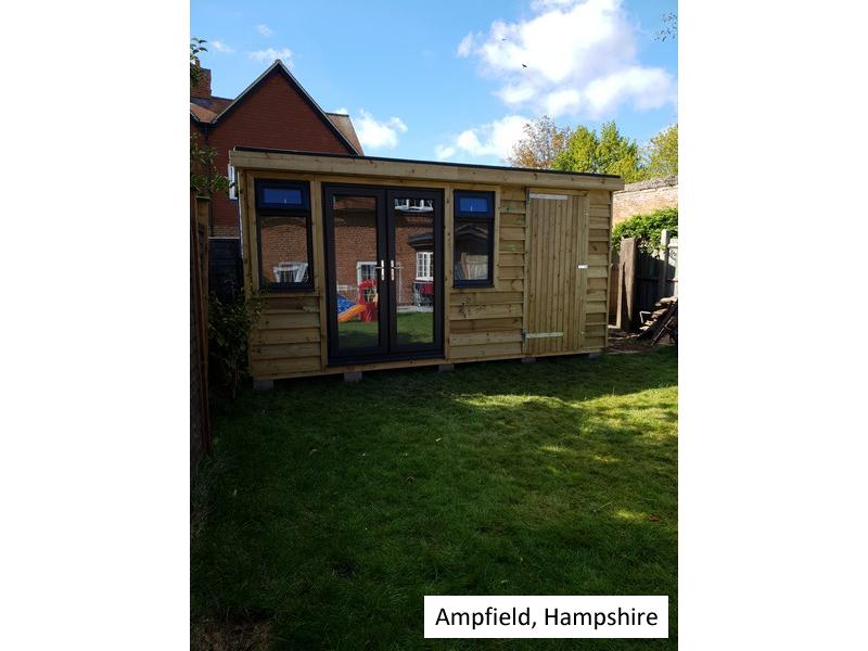 Pod in Ampfield, Surrey